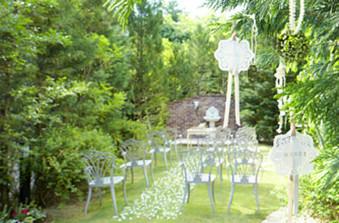 森の結婚式場はお2人らしい装飾で理想の会場に。