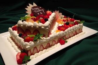 全てのプランにオリジナル生ケーキがついてきます♪/