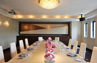 家族・親族同士の顔合わせにふさわしい、格式高い品のあるお部屋もご用意しています