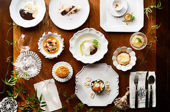 数々のコンクールを受賞するシェフが、おふたりのために手がける本物の美食