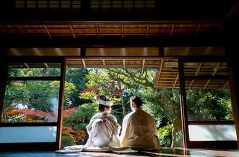 茶室「白露庵」にて、茶道の作法にのっとり行われる茶婚式は新しい結婚式のカタチ