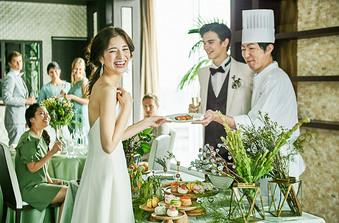 手まり寿司ビュッフェや地元素材を使った料理演出も人気