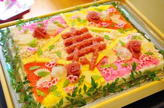 大きなちらし寿司のケーキもご用意可能