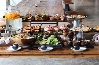 美味しく見た目も鮮やかなシェフ渾身のお料理の数々をお楽しみいただけます