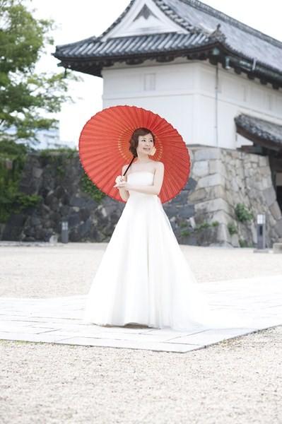 お隣にある佐賀の名所「佐賀城本丸」での撮影が人気