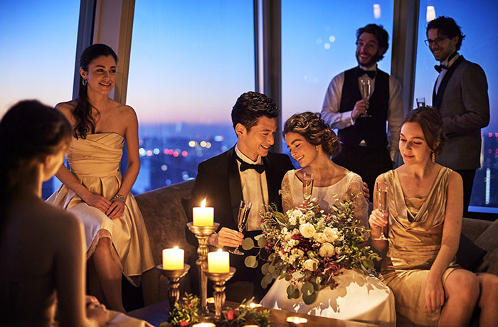 東京タワーやスカイツリーの輝きとともに、ラグジュアリーなナイトウエディングを