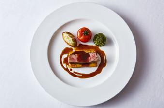 来店する世界中の国の方々に最高のお料理を提供しております。