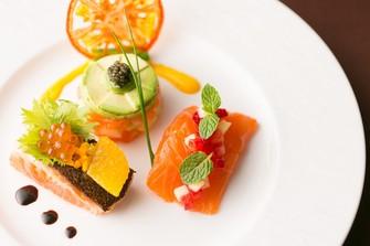 見た目にも美味しい色鮮やかな料理の数々にゲストの会話も弾みます