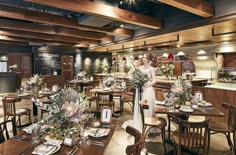 立食最大180名まで収容可能なレストラン