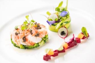 色鮮やかなお料理で見ても楽しいを演出。