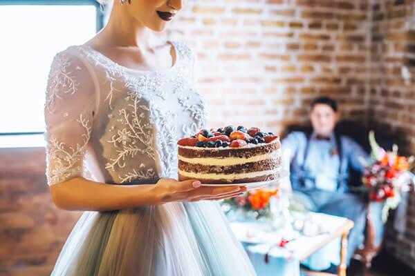 ウエディングケーキの値段を抑えるデザイン選びのポイント