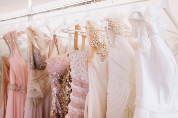 様々な種類のウエディングドレス
