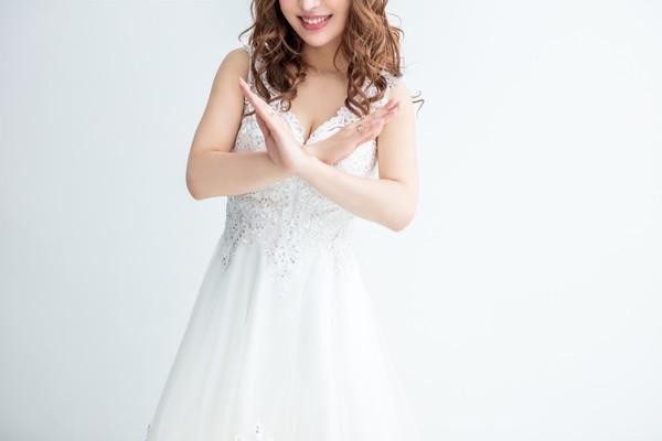 結婚式の服装で押さえておきたい基本マナー