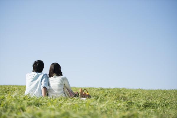 夫婦でピクニック