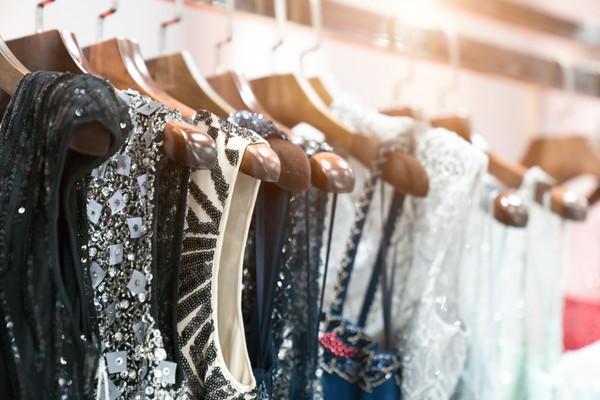 冬の結婚式の服装のコーディネートポイント