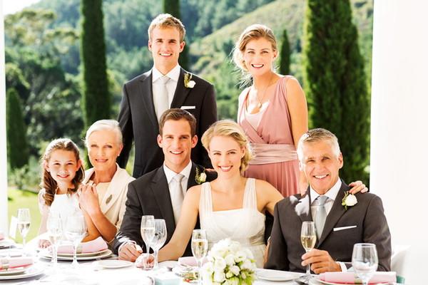 結婚式は家族だけ