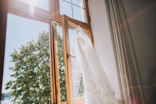 早朝の結婚式2