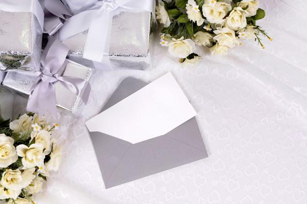 結婚式での心付けとカード